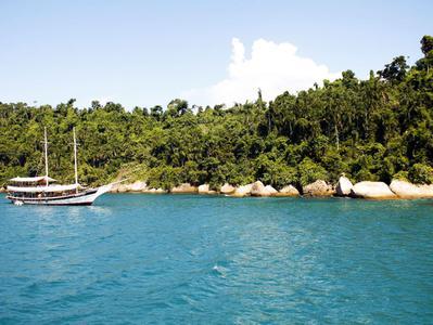 Paraty Schooner Cruise and Snorkeling