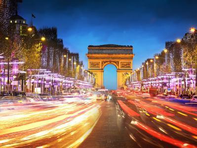 Paris by Night Illuminations Tour + Lido de Paris Show