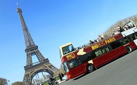 Big Bus Paris: Hop-On, Hop-Off & Seine River Cruise