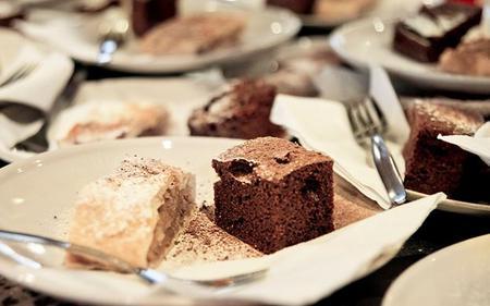 1-hour Prague Sightseeing Cruise with Optional Dessert