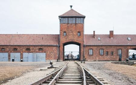 Auschwitz Tour with Private Transport