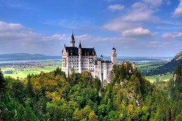 Munich Super Saver: 2-Day Trip from Munich Including Neuschwanstein Castle and Herrenchiemsee Palace