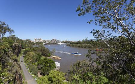 Lone Pine Sanctuary River Cruise from Brisbane with Return Cruise Option