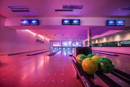 Strike Bali (before 4 p.m) - Bowling center