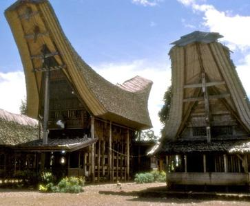 4 Days Splendours of Toraja and Makassar Heritage Tour