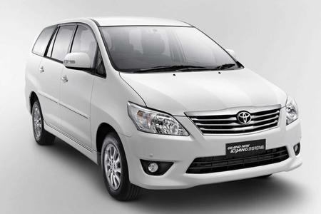 Full Day Private Chauffeured Service With A Toyota Innova Van In Sulawesi (6 Seats)