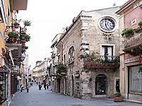 Taormina Walking Tour from Syracuse