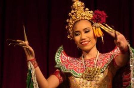 Thai Dinner and Classical Thai Dance Tour from Bangkok