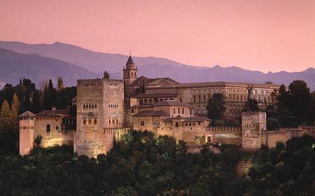 Granada: Hop-On/Hop-Off-Sightseeingtour mit dem Zug