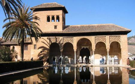 Alhambra: Skip-the-Line 3-Hour Private Tour with Guide