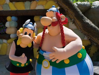 1 Day Trip to Asterix Park with Transportation from Paris