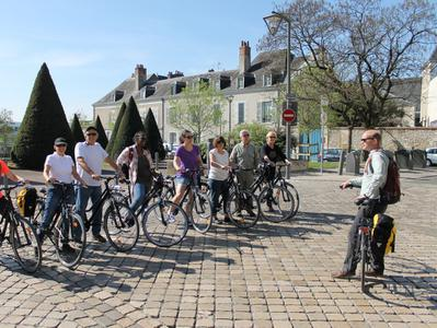 Bike Tour of Loire Valley with Train Transfers from Paris