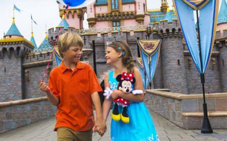 Anaheim: Disneyland Resort 4-Day Tickets