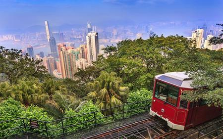 Hong Kong in a Nutshell: Victoria Peak, Aberdeen Harbour and more!