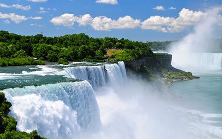 Niagara Falls – Canadian Rainbow Illuminations Night Tour