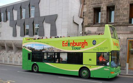 Edinburgh Royal Ticket: Hop-On, Hop-Off & Attractions Combo