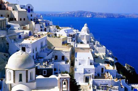 Santorini Shore Excursion: Private Scenic Tour of Santorini, including Oia and Mt Profitis Ilias Monastery
