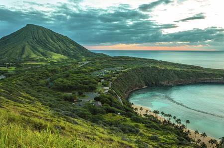 Diamond Head & Oahu Coast Half-Day Tour
