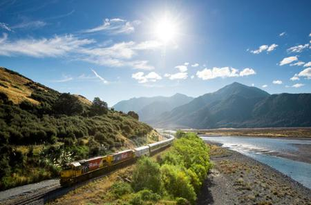 Arthur's Pass National Park with TranzAlpine Train Small Group Tour from Christchurch