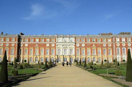 Skip the Line: Hampton Court Palace Entrance Ticket