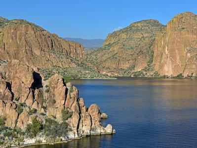 Apache Trail and Canyon Lake Steamboat Cruise