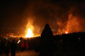New Year's Eve in Reykjavik: Bonfire Tour and Fireworks Display