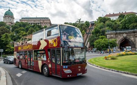 Big Bus Budapest: Hop On - Hop Off Tour