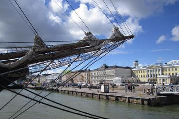 Helsinki City Walk with Fascinating Tunes from Finland