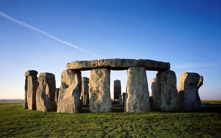 Buckingham Palace & Stonehenge Tour From London