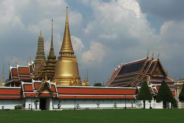 Small Group Tour to Royal Grand Palace in Bangkok