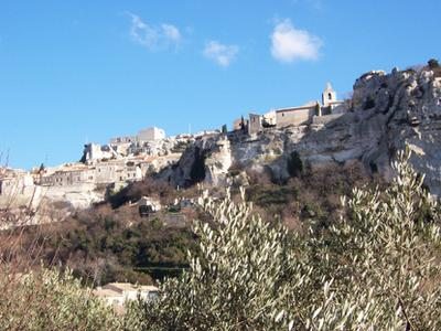 Provence in a Day Full-Day Tour from Arles