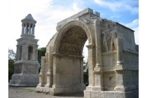 From Marseille: Full-Day Provence Sightseeing Tour