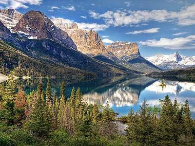 6-Day Canadian Rockies, Vancouver and Whistler Tour from Seattle
