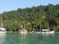 Schooner Cruise and Snorkeling in Paraty