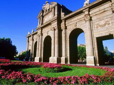Madrid Highlights Tour with Prado Museum from Madrid