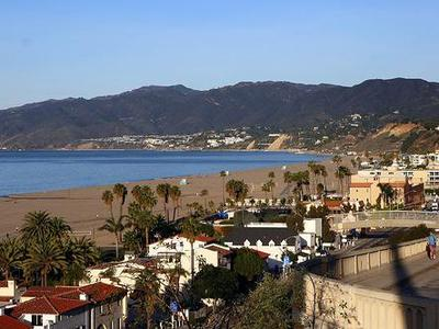 1-Day California Tour from LA - Huntington Beach, Long Beach, Venice Beach & Santa Monica Beach * Fully Guided *