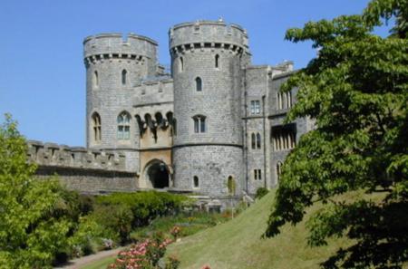 Christmas Eve in Windsor, Stonehenge and Bath