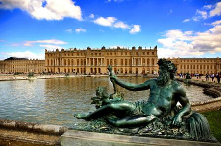Skip the Line: Versailles Palace and Gardens Day Trip from Paris by Train