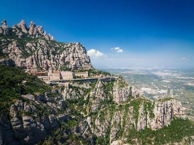 4-Day Barcelona Hightlights Tour with Montserrat