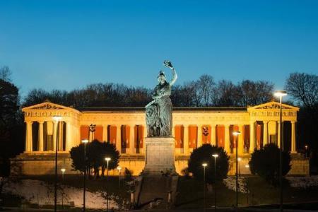 Munich by Night Tour