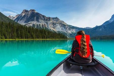 5-Day Vancouver, Victoria, Lake Louise & Canadian Rocky Mountain Summer Tour Package