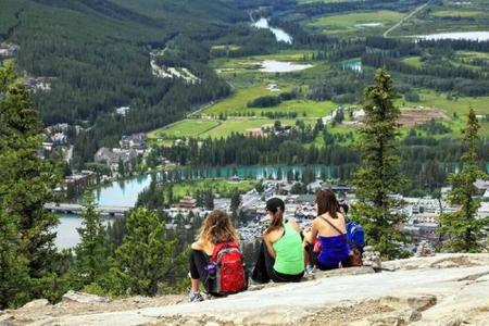 6-Day Vancouver, Victoria, Lake Louise & Canadian Rocky Mountain Summer Tour Package