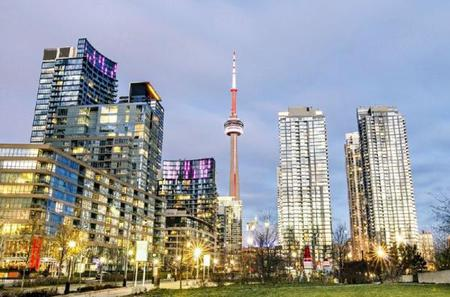 1-Day Toronto Bus Tour: CN Tower, Central Island, York Dale Shopping Center