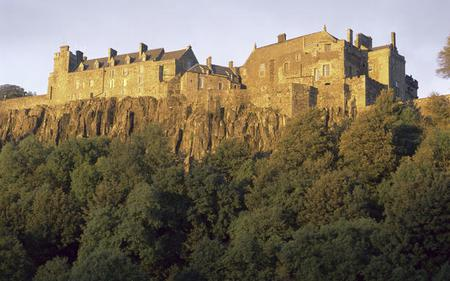 1-Day Loch Lomond National Park and Stirling Castle Tour