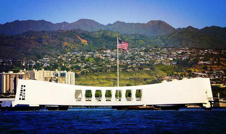 5-day Pearl Harbor, Honolulu City, Mini-Circle Island & Polynesian Cultural Center Tour Package from Honolulu(Complimentary Buffet Lunch)