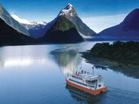 Milford Sound Day Trip from Queenstown by Coach with Scenic Cruise