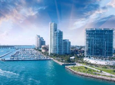 10-Day East Coast & Miami Deluxe Tour: New York, Philadelphia, Washington D.C., Corning, Niagara Falls and Boston from Miami
