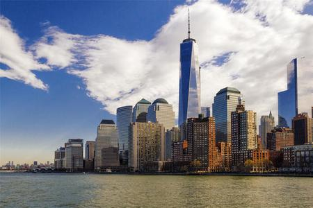 Complete Lower Manhattan Tour: Statue of Liberty, Ellis Island, One World Observatory, and World Trade Center