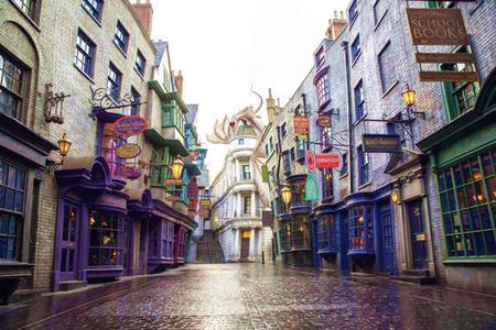 6-Day Orlando Economic Vacation Package: Theme Parks