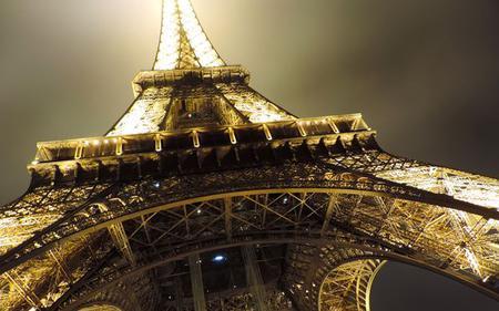 Paris Night Tour: Skip the Line Eiffel Tower, Seine Cruise and Illuminations
